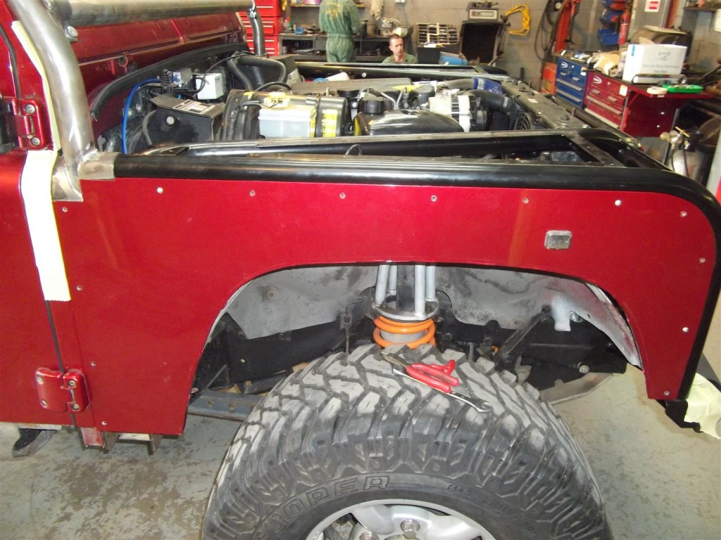 Land Rover Defender Tubular Wings And Roll Cage