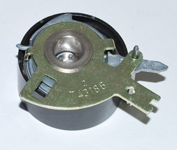 LR009395 PULLEY - TENSION