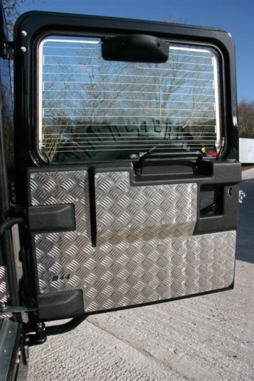 D44 Defender 2007 on Rear Door Protector
