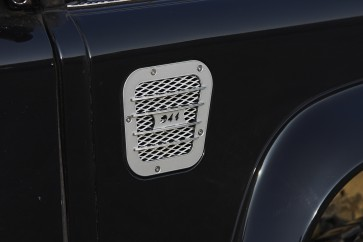 D44 Defender Side Vent Silver Right